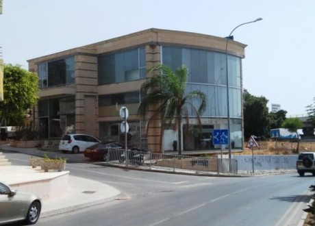 Building For Sale in Agia Filaxi, Limassol - B-67040
