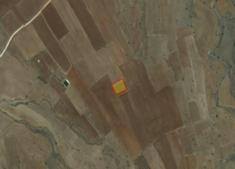 Agricultural Land For Sale in Peristerona, Nicosia - L-73022