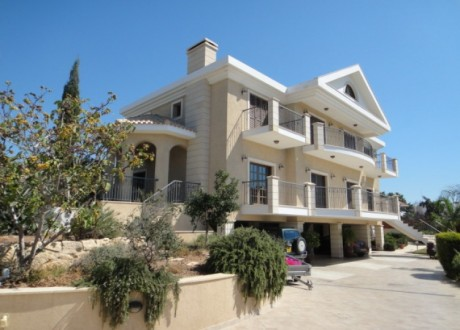 Detached House For Sale in Germasogeia, Limassol - H-72199
