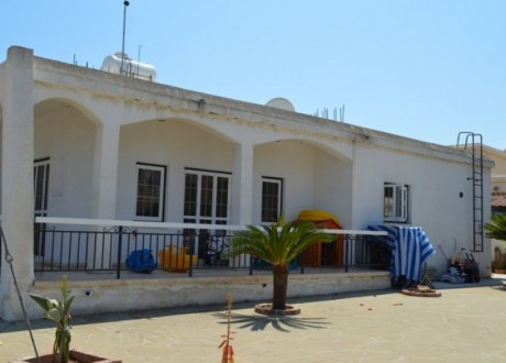 Bungalow For Sale in Derynia, Famagusta - H-96179