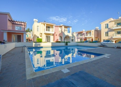 Whole Floor Apartment  For Sale in Agios Theodoros, Paphos - A-100102