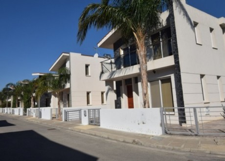 Building For Sale in Pyla, Larnaca - B-100449