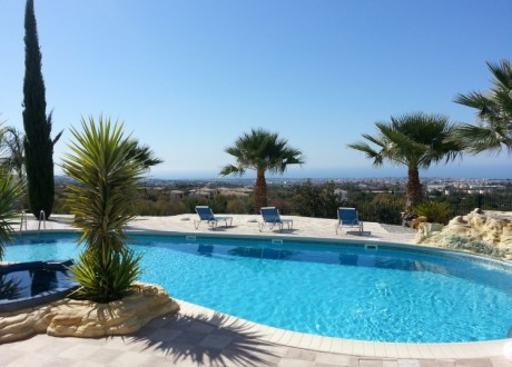 Apartment For Sale in Mesa Chorio, Paphos - A-100502