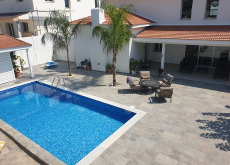 Detached House For Rent in Pyrgos - Tourist Area, Limassol - HR-101298