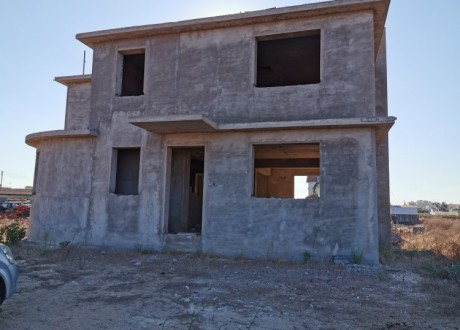Detached House For Sale in Xylofagou, Famagusta - H-101459