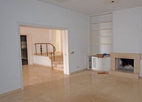 Detached House For Sale in Strovolos, Nicosia - H-101476