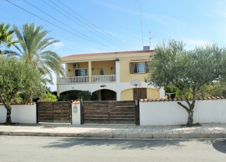Detached House For Sale in Geri, Nicosia - H-101757