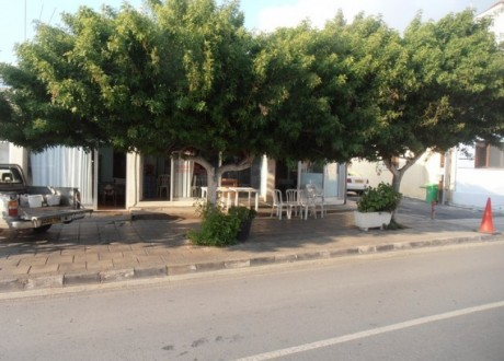 Building For Sale in Kato Polemidia, Limassol - B-102043