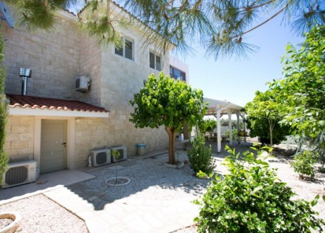 Detached House For Sale in Souni, Limassol - H-102418
