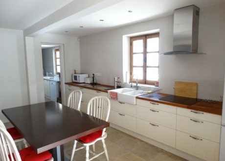 Detached House For Sale in Larnaca Centre, Larnaca - H-102739