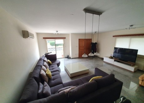 Semi Detached House For Sale in Mesa Geitonia, Limassol - H-103119