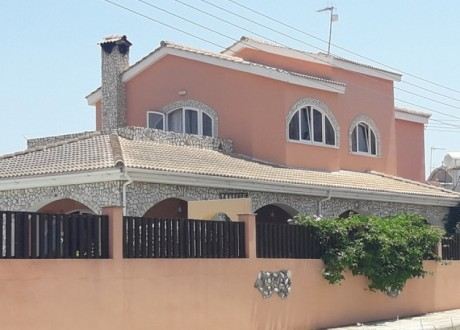 Detached House For Sale in Derynia, Famagusta - H-100655
