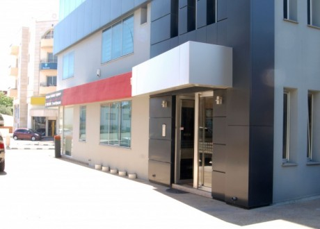 Building For Sale in Kato Polemidia, Limassol - B-103577
