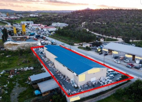 Warehouse For Sale in Aradippou, Larnaca - W-103592