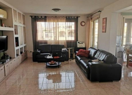 Apartment For Sale in Agios Athanasios, Limassol - A-104145