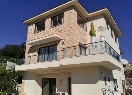Detached House For Sale in Palodeia, Limassol - H-69725