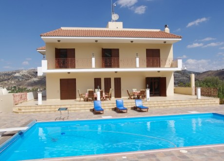 Detached House For Sale in Agia Anna, Larnaca - H-95029