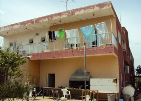 Building For Sale in Derynia, Famagusta - B-95226
