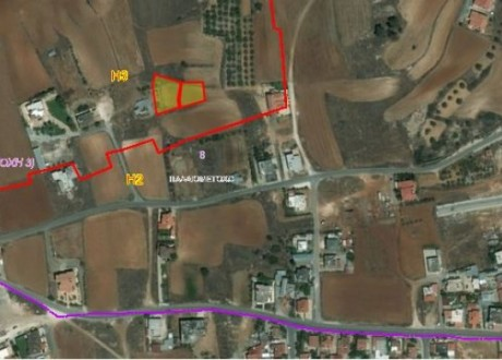 Residential Land  For Sale in Palaiometocho, Nicosia - L-96928