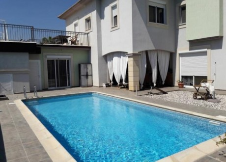 Detached House For Sale in Agios Tychon, Limassol - H-71181