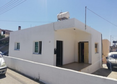 Bungalow For Rent in Paralimni, Famagusta - HR-105573