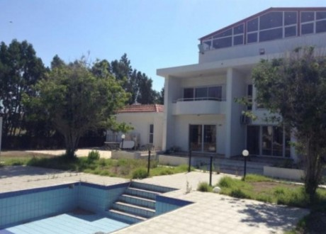 Detached House For Sale in Pyla, Larnaca - H-110452