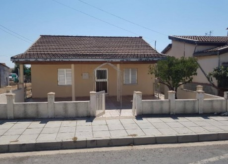 Bungalow For Sale in Vrysoulles, Famagusta - H-107376